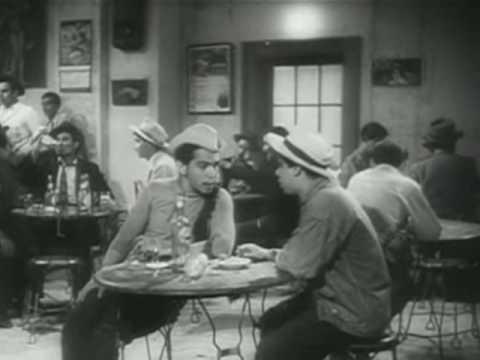Cantinflas en la cantina