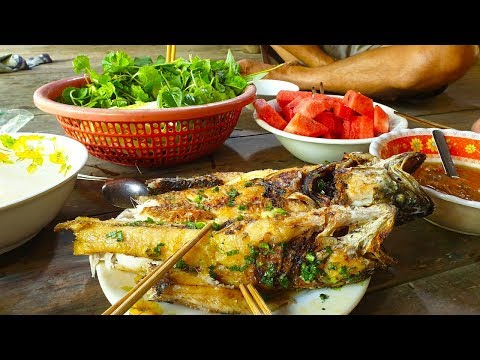 Cá lóc đồng lột da nướng mỡ hành ăn kèm mớ rau quê - Street Food - Thời lượng: 11 phút.