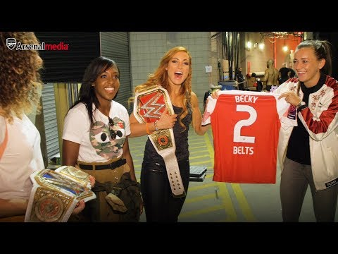 Arsenal Meet WWE Women's Champion Becky Lynch At RAW In London