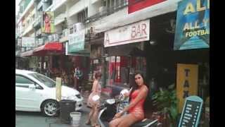 Pattaya City - Soi 6 By Day Ladyboy