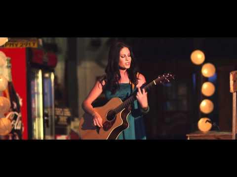 Riana Nel se splinternuwe musiekvideo – DANS