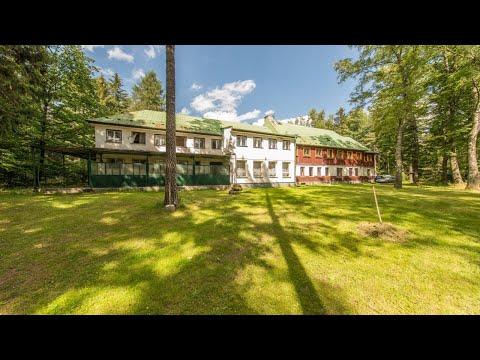 Video Rekreační nemovitost NP České Švýcarsko: dvě budovy, školící místnost, sruby, 4 hřiště a rybník ke k