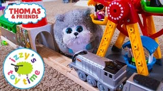Thomas Train and Brio MERRY GO ROUND AND MR FUZZY! Thomas and Friends   Toy Trains for Kids