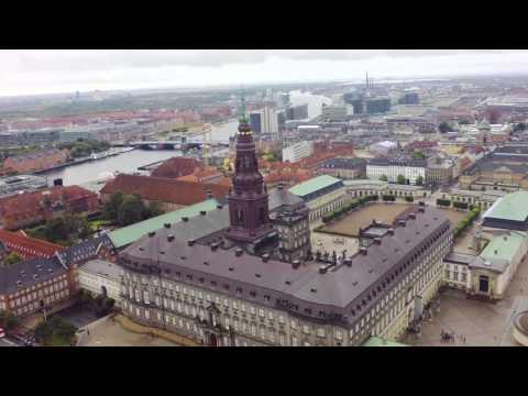 Copenhagen City Sights & Castle Tour of North Zealand