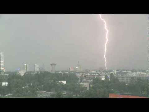 Video Thunderstorm in Bucharest   -  Furtuna  si fulgere in Bucuresti download in MP3, 3GP, MP4, WEBM, AVI, FLV January 2017