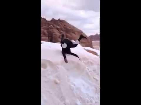 Saudita vê neve pela primeira vez na vida