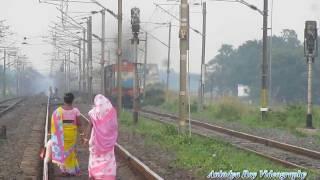 Nonton Chugging smoking ET Deemer with Ajmer Kolkata Sare Jahan Se Achha Express Film Subtitle Indonesia Streaming Movie Download