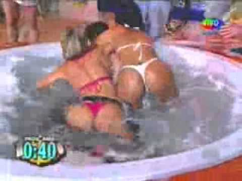 Banheira do Gugu - Bandida.&.Renata.Schimidt.wmv