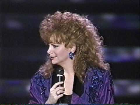 Reba sings greatest hits