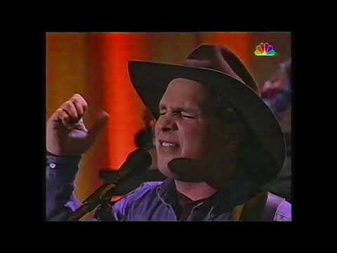 Standing outside the fire - Garth Brooks - live 1994