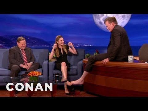 Feet - Shailene's toes are so prehensile, she's practically simian. More CONAN @ http://teamcoco.com/video Team Coco is the official YouTube channel of late night h...