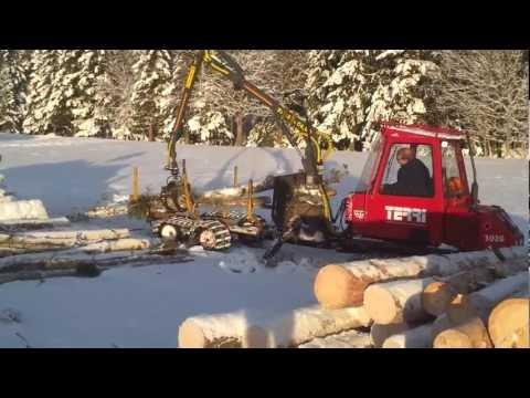 terri - Terri 3020 i skogen, lastar av timmer från 11:15 i klippet Vågans Skog, Bergs Kommun, Jämtland http://vagansskog.se.