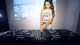 Download Lagu la mejor dj del mundo Juicy M   Mixing 5 Mp3