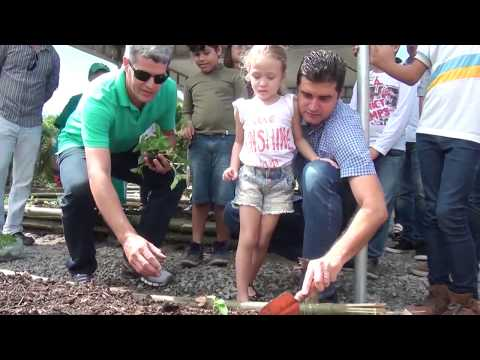 Rui Palmeira inaugura primeira horta urbana de Maceió