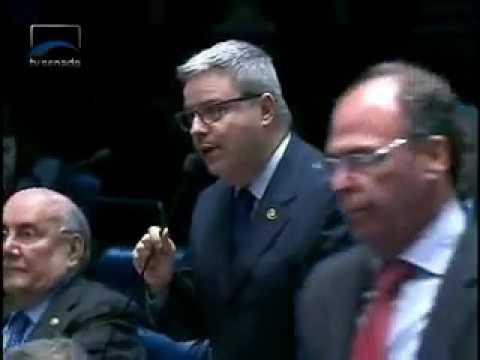 No plenário do Senado, Antonio Anastasia sai em defesa do Rio São Francisco