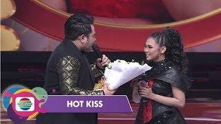 Video Lagi-Lagi Nassar Merayu Selfi di Panggung DA Asia 4 - Hot Kiss MP3, 3GP, MP4, WEBM, AVI, FLV November 2018