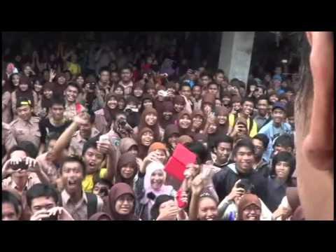 Bayu Skak with the Band - LIVE SMAN 1 PANDAAN