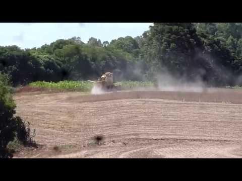 Clayson 1530 colhendo soja em Nova Ramada-RS