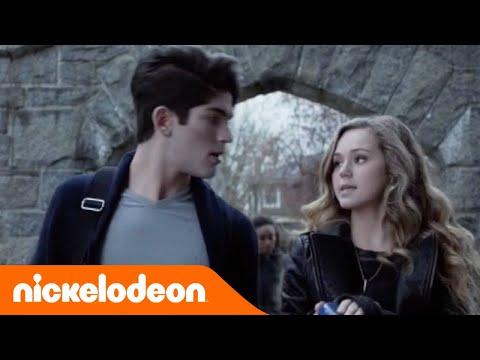 Vampiro per caso | Un (finto) vampiro a scuola | Nickelodeon