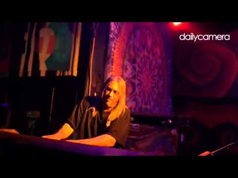 Golden Gate Wingmen, That's What love Will Make You Do – Jeff Chimenti  solo w/ @JohnKadlecik Jay La