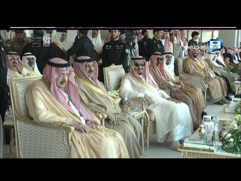 #فيديو ::  أمام #خادم_الحرمين_الشريفين .. الشاعر ناصر الفراعنة يلقي قصيدة ملك الحزم.