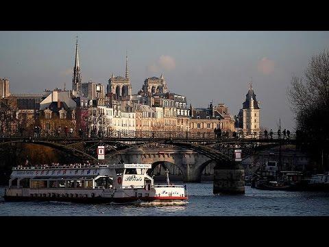 Γαλλία: Αιχμηρή απάντηση Ολάντ στις δηλώσεις Τραμπ για το Παρίσι