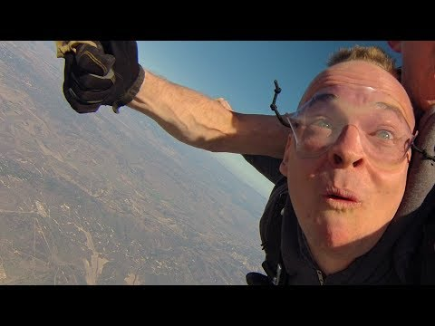 FREE FALL! (Skydiving Vlog ;)