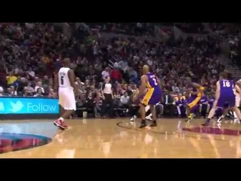 Matthews to Aldridge Alley-Oop Dunk against Lakers