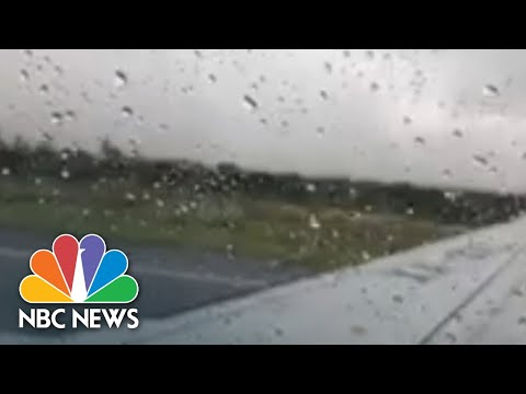 Опубликовано видео из салона падающего самолета в Мексике