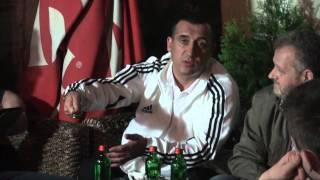 A lejohet një mashkull të shet veshje për gjininin femrore - Hoxhë Fatmir Zaimi