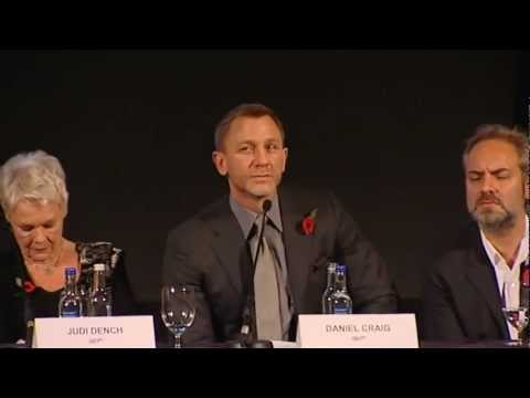 Skyfall (Featurette 'ET on Set')