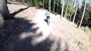 Video Und Lars gehts... Black Mountain Bikepark Elstra MP3, 3GP, MP4, WEBM, AVI, FLV Mei 2017