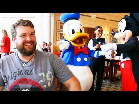 Mickey and Donald were SHOCKED!!! - Disneyland Paris Impressions