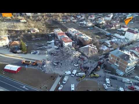 Video - Σεισμός στην Τουρκία: Μάχη με τον χρόνο για τους εγκλωβισμένους -Συγκλονιστικές ιστορίες