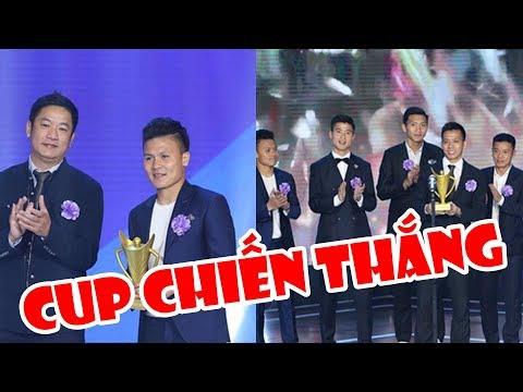 Tin nóng bóng đá | Khoảnh khắc vinh danh sự xuất sắc của Quang Hải & đội tuyển Việt Nam - Thời lượng: 11 phút.