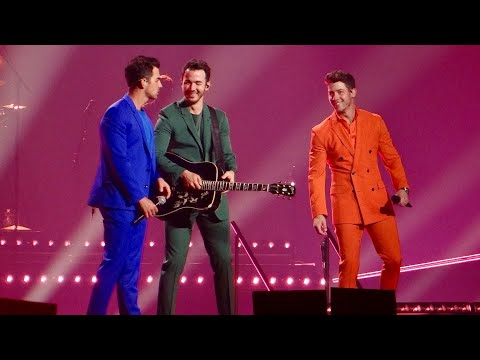 Jonas Brothers: Happiness Begins Tour - Fly with Me (Phoenix, AZ) | 10.5.19