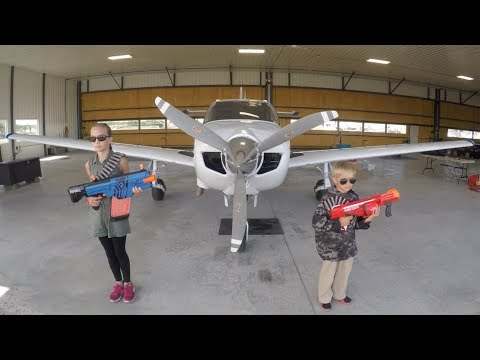 Nerf War: Airplane Rescue