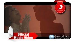 Download lagu Mytha - Menghapus Yang Terukir (Official Video) Mp3
