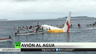 Un Boeing 737 termina en el mar tras un aterrizaje forzoso en Micronesia