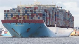 Video Fully loaded Majestic Maersk departs Felixstowe with help of two 3212 Svitzer tugs 27.10.17 MP3, 3GP, MP4, WEBM, AVI, FLV Juli 2018