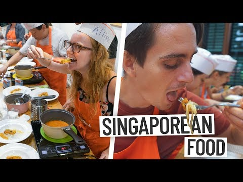 SINGAPORE FOOD TOUR! (Laksa, Hoon Kueh And Spring Rolls)