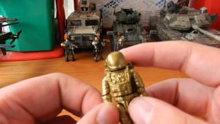 Our Review of the Call of Duty Gold Astronaut Exclusive. Model number: 99707 Approx 21 Pieces Box contents: 1 x Gold Astronaut 1 x Stand Detail: 10/10 Durabi...