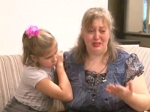 Мать-одиночка с 11-летней дочерью оказались на улице