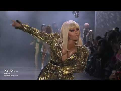 """Lil' Kim - """"Go Awff"""" & """"The Jump Off"""" (Live at The Blonds Show 2019)"""