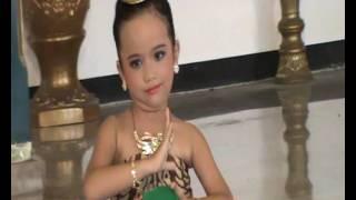 Belajar Tari Batik