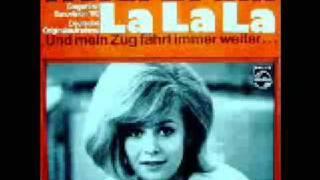 Heidi Brühl Sings La La La