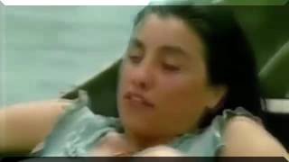 Video Ibu Melahirkan Diatas Perahu Di Tengah Sungai