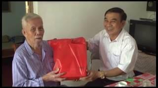 Đoàn lãnh đạo thành phố thăm và tặng quà cho cựu chiến sỹ Đệ tứ Chiến khu Đông Triều