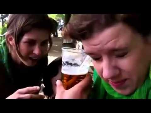 Uống bia bằng tai