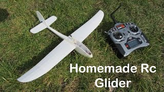 This video shows my first homemade RC plane! Here is my website: http://www.doityourselfgadgets.comAnd here's the www.rcgroups.com search for La Mariposa.The RX: http://hobbyking.com/hobbyking/store/__56167__2_4Ghz_SuperMicro_Systems_DSM2_Compatible_Receiver_w_Brushed_ESC_Linear_Servos.htmlPlease subscribe to my channel for future projects!My Channel: http://www.youtube.com/user/TheLiquiderMy Website:http://www.doityourselfgadgets.com/Like me on facebook: http://www.facebook.com/DIYTechgadgetsMusic:www.machinimasound.com - Dance of the pixies© by Doityourselfgadets